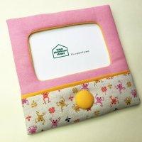 ベビーギフト ハンドメイド雑貨|可愛いフォトフレーム ピンク|クルミボタンと小さなカエル【ハガキサイズ】