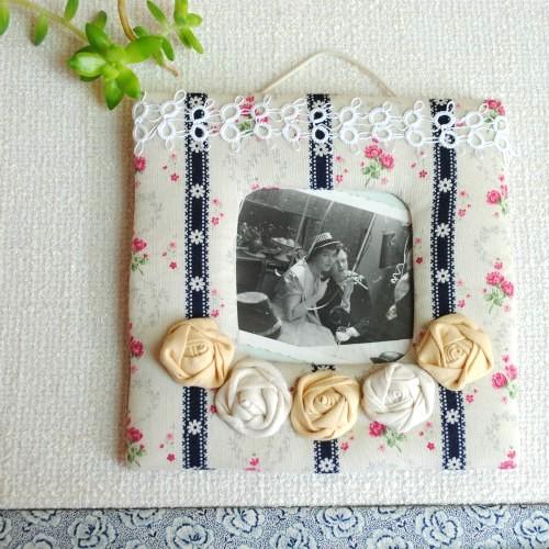 バラの手芸飾りのフォトフレーム